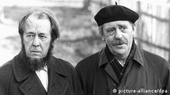 Александр Солженицын (слева) и Генрих Бёлль
