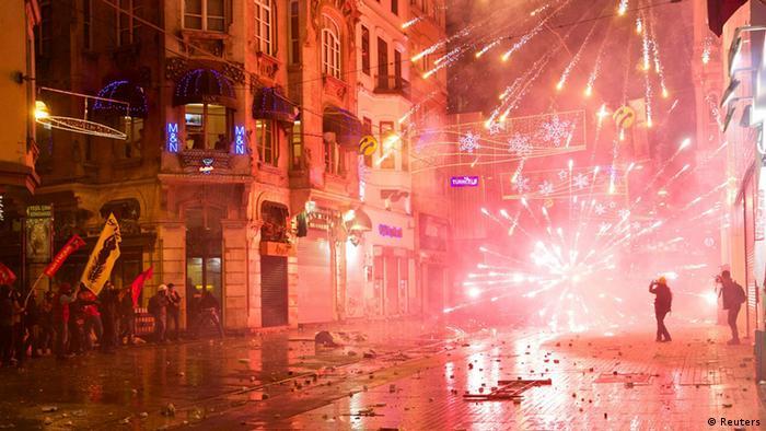 تظاهرات شبانه در استانبول