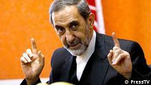 Ali Akbar Velayati , iranischer Ex-Außenminister, ist enger Vertrauter und hoher Berater des Führers der Islamischen Republik Iran, Ayatollah Ali Khamenei, in außenpolitischen Angelegenheiten. Angeblich führt er die geheimen Gespräche mit den US-Amerikanern in Oman, unter anderem über Atomkonflikt, Syrien, Sanktionen und die Lage in der Region.