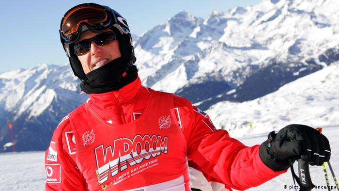 Michael Schumacher beim Skifahren (Archivfoto: dpa)