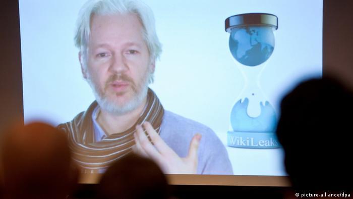 جولین آسانژ با اسکایپ با هکرها در هامبورگ صحبت کرد