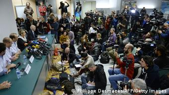 Press conference at Grenoble clinic CHU (photo: Philippe Desmazes/ AFP/Getty Images)