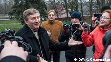 Rinat Achmetow ukrainischer Oligarch mit Demonstranten