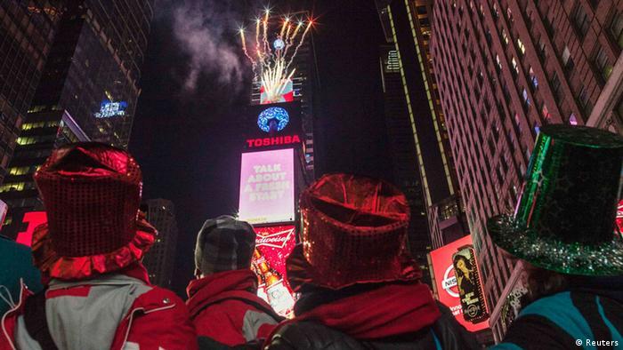 Arşiv - New York'un geleneksel yılbaşı kutlaması: Drop Ball (31.12.2013)