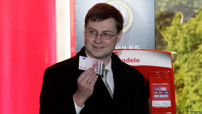 Letônia adota oficialmente o Euro