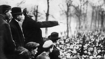 سخنرانی کارل لیبکنشت در جریان قیام اسپارتاکوس در سال ۱۹۱۹