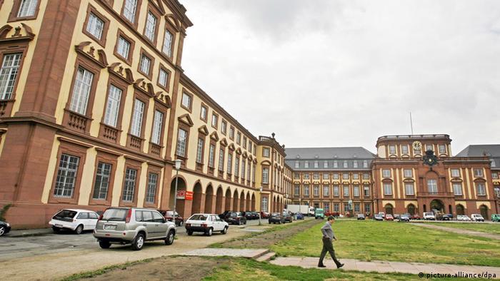 Uni Mannheim stellt Vorlesungszeiten um