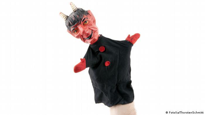 Eine Handpuppe in Gestalt des Teufels