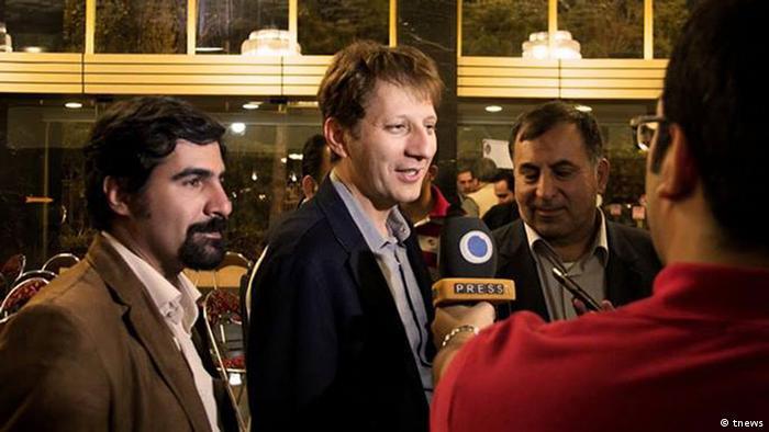 Babak Sandžani - pre hapšenja, stalno u medijima