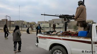 Fallujah in Iraq: militiamen on an armed vehicle (Photo: REUTERS / Ali al-Mashhadani)