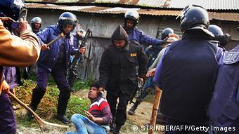Immer wieder kam es zu gewaltsamen Auseinandersetzungen zwischen Oppositionsanhängern und der Polizei (Foto:afp)