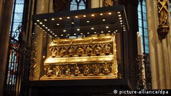 Ковчег в Кельнском соборе, в котором хранятся мощи троих святых королей