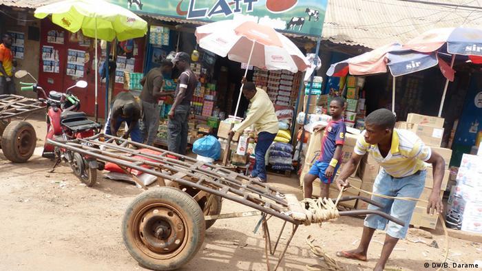 Bildergalerie Handkarren in Guinea-Bissau