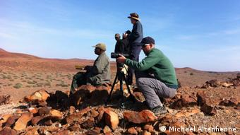 "members of the ""Save the Rhino Trust"" at work in Namibia (Foto: Michael Altenhenne9"