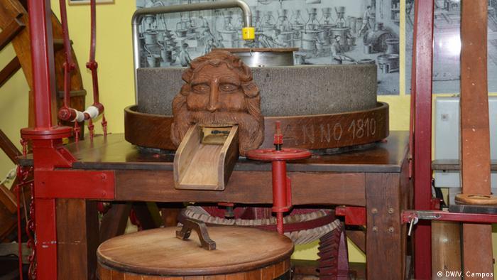 Historische Senfmühle von Wolfgang Steffens aus dem Kölner Senfmuseum
