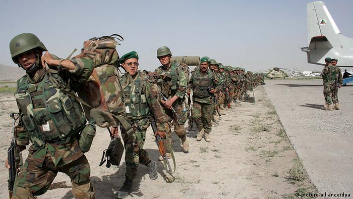 Afghan National Army in Afghanistan ARCHIV 2008 (picture-alliance/dpa)