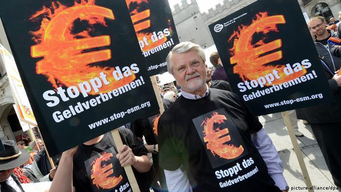 Manifestantes contra la malversación del dinero de los contribuyentes. Múnich, 2012.