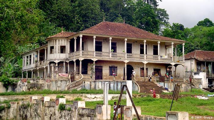 São Tomé e Príncipe - Herrenhaus Casa Grande der Roça Uba Budo