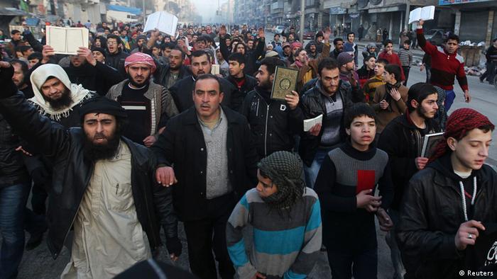 Syrien Aleppo Zivilisten Protest Marsch