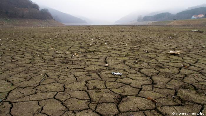 Kosovo drought 8.1.2014 Photo: AP Photo/Visar Kryeziu