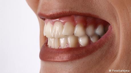 Symbolbild Zähneknirschen