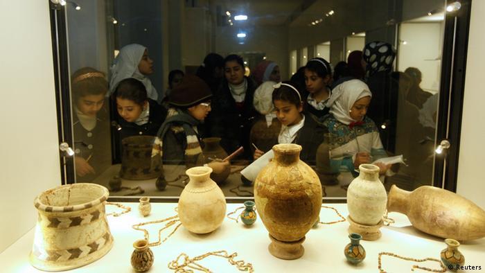 Irak Bagdad Museum Schulkinder