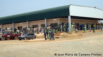 Angola Biocom Baustelle und Mitarbeiter