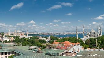 Blick von Istanbul über den Bosporus (Foto: picture-alliance/Arco)