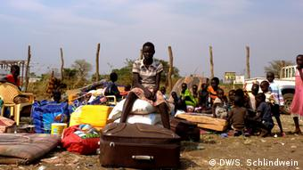 Refugees from South Sudan at the Ugandan border