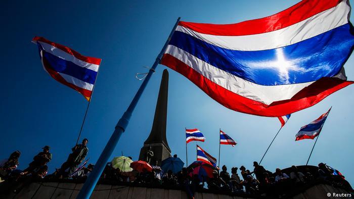 Thailand Anti Regierung Protest Demonstranten Flagge 13.1.2014