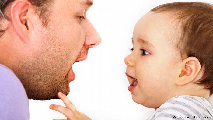 زبان مادری نخستین زبانیست که کودک با آن آغاز به سخن میکند، بی آنکه آن را آموخته باشد. کودکان به شدت از والدین یا آموزگاران خود تقلید میکنند. به همین دلیل نیز آنان در رشد زبانی کودک تاثیر بهسزایی دارند.