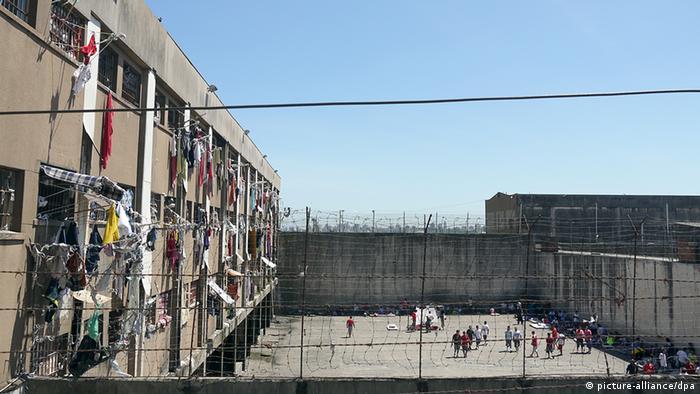 Centro penitenciário Presídio Central, em Porto Alegre