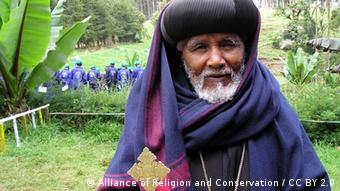 A priest of the Ethiopian Orthodox Tewahedo Church (Photo: Alliance for Religion and Conservation / CC BY 2.0)