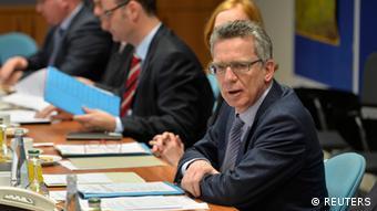 Οι συνομιλίες συνεχίζονται, δηλώνει ο υπουργός Εσωτερικών Τόμας ντε Μεζιέρ