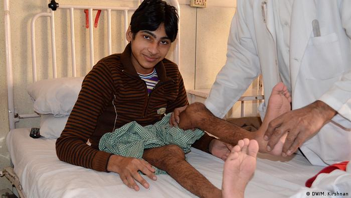 Polio patient Photo: DW/Murali Kirshnan