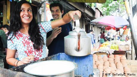 Bildergalerie Chai Tee Verkäufer in Indien EINSCHRÄNKUNG (R. Gellatly/Z. Marks)