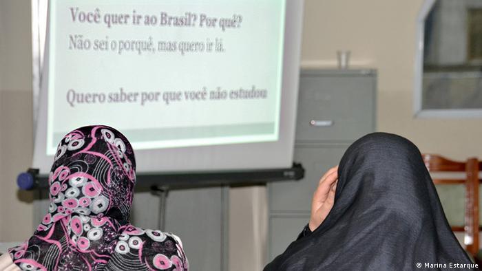 Refugiadas sírias aprendem português em São Paulo