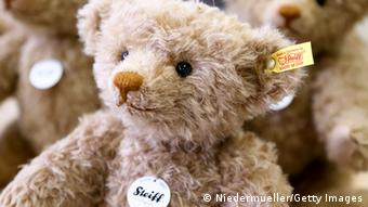 Ein Teddy des deutschen Herstellers Steiff