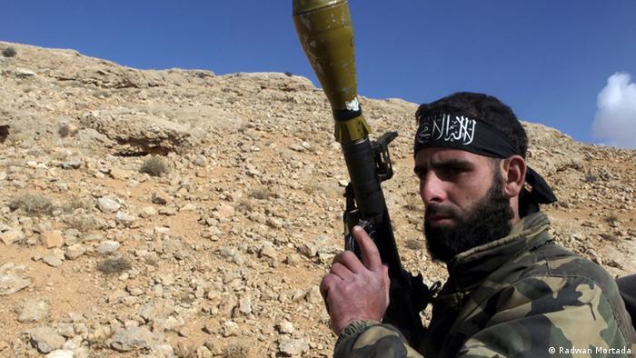 Borac ISIS-a