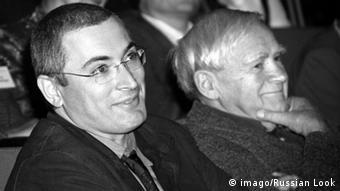 Russischer Schriftsteller Daniil Granin und Michail Chodorkowski (Foto: DPA)