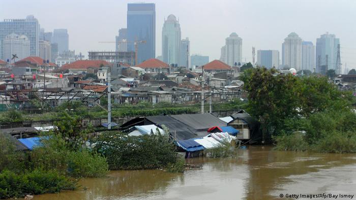 Indonesien Jakarta Flut Überschwemmung Monsun (Getty Images/Afp/Bay Ismoy)