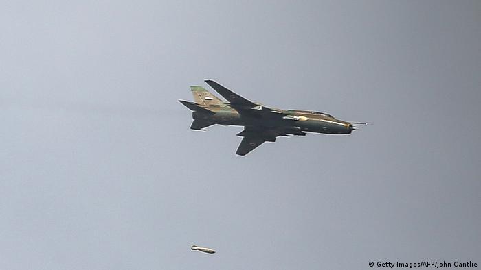 لم تعرف هوية الطائرات التي شنت الغارات، فيما إذا كانت روسية أم سورية.