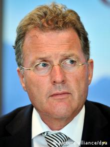 Ο Μίχαελ Ραμστέτερ, υπεύθυνος επικοινωνίας της ADAC και αρχισυντάκτης του περιοδικού της λέσχης Motorwelt υπέβαλε την παραίτησή του