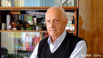 Josef Bursug sobrevivió el Holocausto de Chernivtsi.