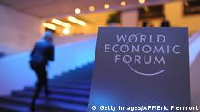 Schweiz World Economic Forum 2014 Gebäude Logo