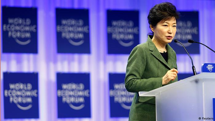South Korean President Park Geun-hye speaks during a session at the annual meeting of the World Economic Forum (WEF) in Davos January 22, 2014 (Photo: REUTERS/Denis Balibouse)