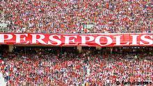Fankurve der iranischen Fußballmannschaft Perspolis