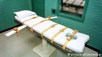 Texas Huntsville USA Todestrafe Protest Kammer Hinrichtungsraum Liege Injektion