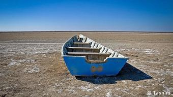 به رغم وعدههای دولت حسن روحانی معضل دریاچه اورمیه دیرپاتر و پیچیدهتر از آن تلقی میشود که به سرعت قابل رفع باشد
