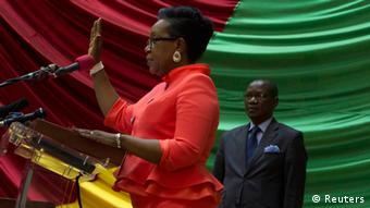Catherine Samba-Panza taking the oath as interim president in January 2014 (photo: REUTERS/Siegfried Modola)